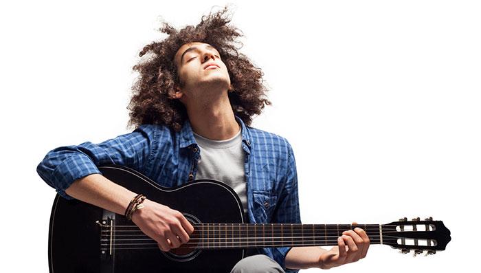 joueur guitare rythmique tempo battre mesure